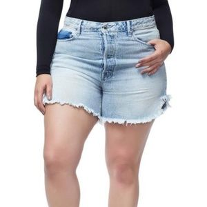 Good American The Bombshell Jean Shorts Size 22